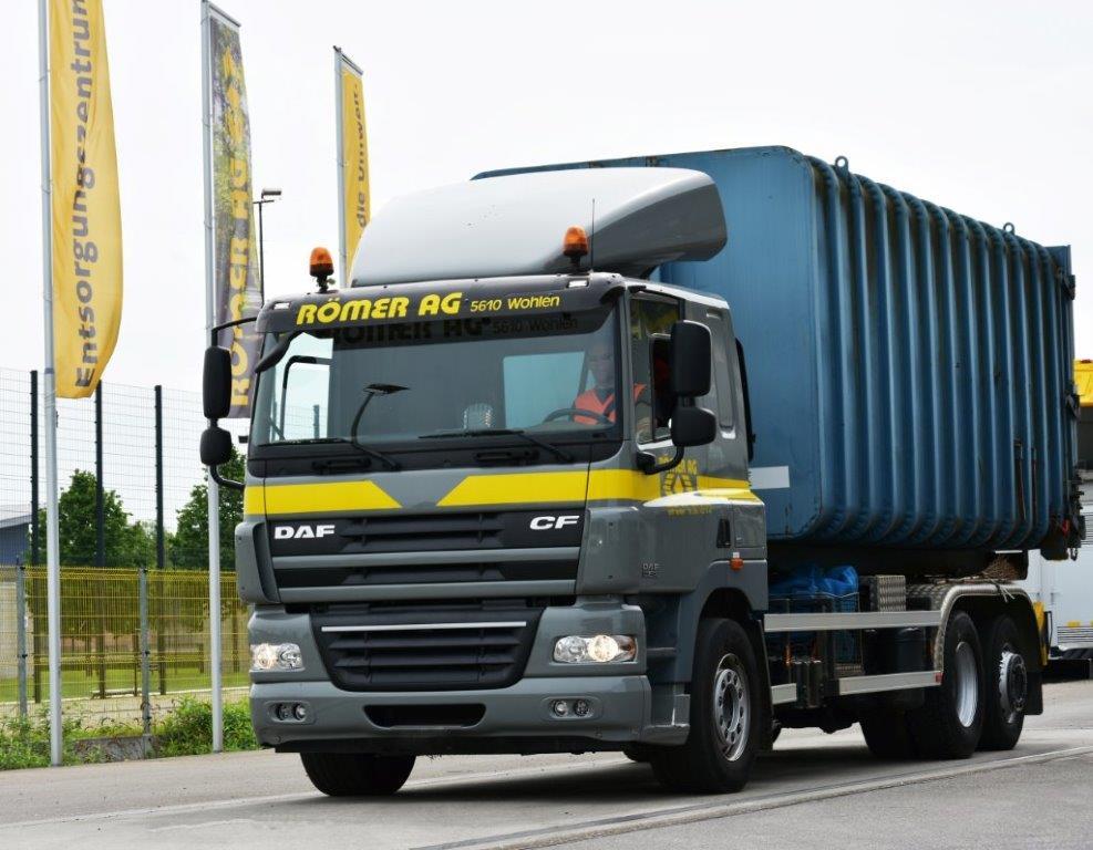 Hubi Stöckli : LKW-Chauffeur auf 3-Achser Hakengerät