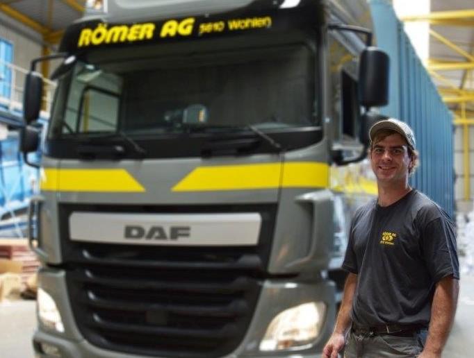 Reto Strebel : LKW-Chauffeur auf 3-Achser Hakengerät