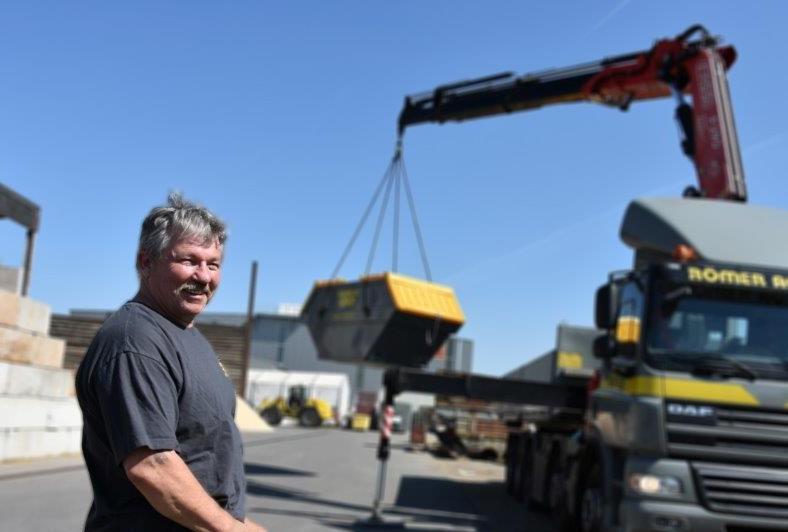 Willy Michel : ehemaliger LKW- Chauffeur auf 5-Achser Hakengerät